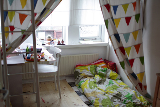 onder jippes bed